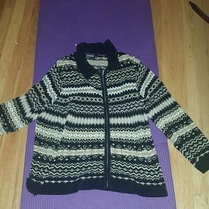 Comfy sweater perfect for Fall and Winter!